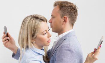 Beziehungskiller NO.1: Wie ein Handy deine Beziehung zerstört!